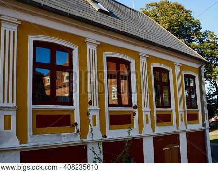 Traditional Old Classic Vintage Decorative Colored Picturesque Style Danish House Home Aero Island,