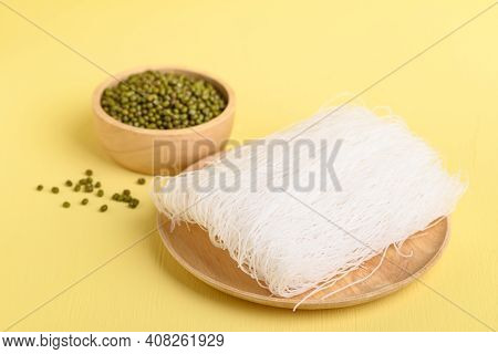 Dry Glass Noodles Or Cellophane Noodles Made From Mung Bean Starch, Food Ingredients In Asian Food S