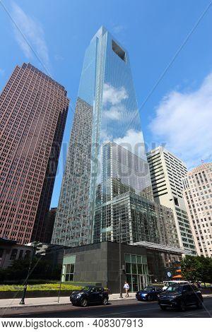 Philadelphia, Usa - June 11, 2013: Comcast Center Building In Philadelphia. As Of 2012 The 297m Tall