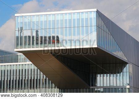 Philadelphia, Usa - June 11, 2013: University Of Pennsylvania (upenn) Singh Center For Nanotechnolog