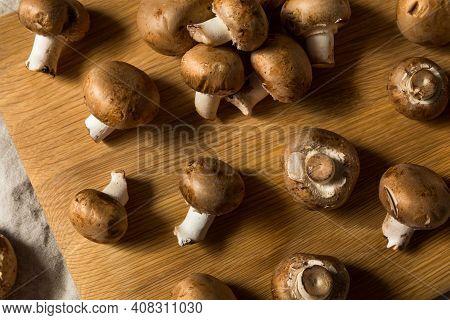 Raw Brown Organic Baby Bella Mushrooms
