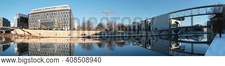 Spree Riverside In Winter. Panoramic View Of Modern Architecture. Reichstag.marie-elisabeth-lueders-