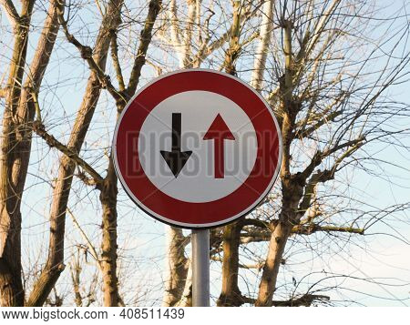 Warning Signs, Two Way Traffic Traffic Sign