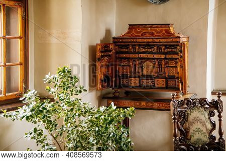 Castle Interior, Baroque And Renaissance Furniture, Bureau With Swing Doors, Wooden Secretaire En Po