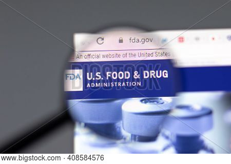 New York, Usa - 15 February 2021: Fda Us Food And Drug Website In Browser With Company Logo, Illustr