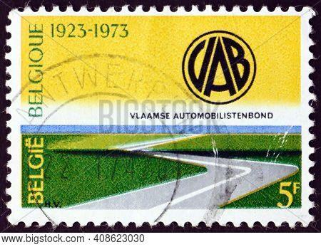 Belgium - Circa 1973: A Stamp Printed In Belgium Shows Highway And Automobile Club Emblem, Flemish A