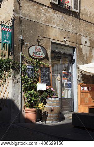 Orvieto (tr), Italy - May 10, 2016: A Typical Restaurant In Centre Of Orvieto, Terni, Umbria, Italy