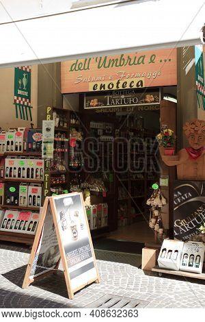 Orvieto (tr), Italy - May 10, 2016: A Delicatessen Shop In Centre Of Orvieto, Terni, Umbria, Italy