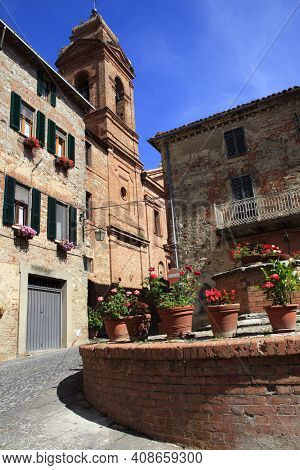 Monteleone D\' Orvieto (tr), Italy - May 27, 2016: A Square In Monteleone D\' Orvieto Village, Orvie