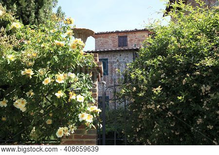 Monteleone D\' Orvieto (tr), Italy - May 27, 2016: A House In Monteleone D\' Orvieto Village, Orviet