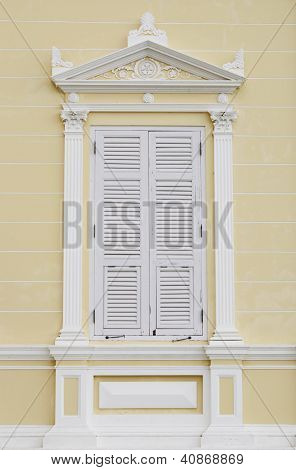 Old style window and Classic