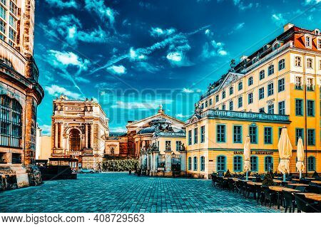 Dresden, Germany-september 08, 2015 :art Academy. Center Of The Dresden Old Town. Dresden Has A Long