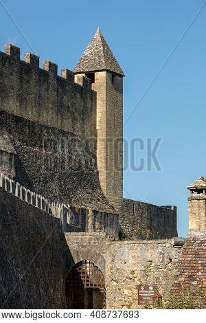 Beynac Et Cazenac, France - September 4, 2018: The Medieval Chateau De Beynac Rising On A Limestone