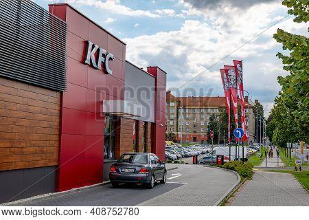 Havirov, Czech Republic - September 13, 2019: Mitsubishi Lancer Car In Front Of Drive-through Window