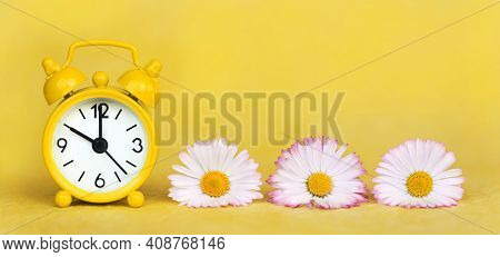 Daylight Savings Time Banner, Daisy Flowers And Clock Watch On Yellow Background. Spring Forward, Sp
