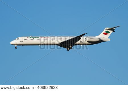 Vienna, Austria - July 7, 2018: Bulgarian Air Charter Md-82 Lz-lds Passenger Plane Arrival And Landi