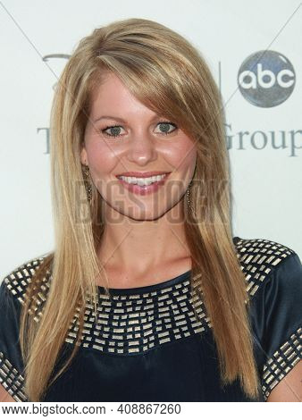 LOS ANGELES - AUG 08: Candace Cameron Bure arrives to the 2009 Disney-ABC Televison Group Summer Press Tour on August 08, 2009 in Pasadena, CA