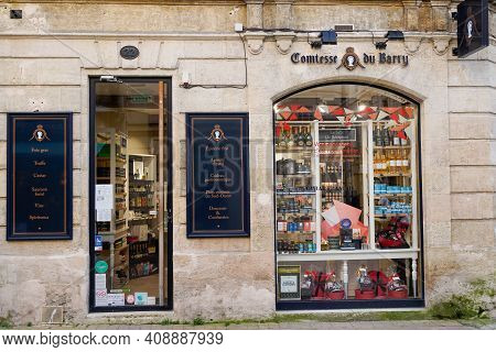 Bordeaux , Aquitaine France - 02 16 2021 : Comtesse Du Barry Sign Logo Shop And Brand Text On Epicer