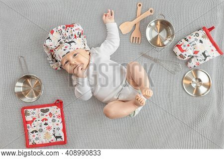 Portrait of a Baby in the cook costume