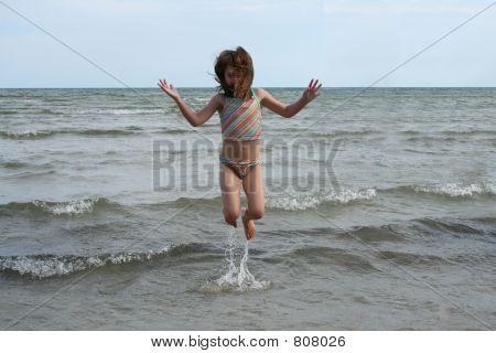 girl water jump 1