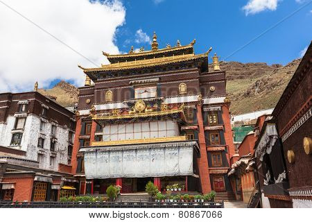 Tashilhunpo Monastery In Shigatse