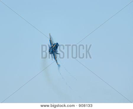 F18 Pulling Gs