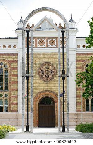 Synagogues In Szekszard
