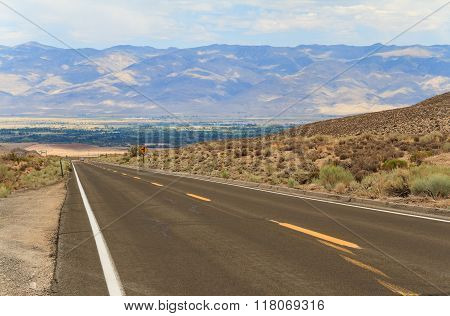 Road In Inyo National Forest Park, California