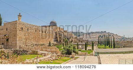 Solomon's temple and Al-Aqsa Mosque minaret Jerusalem