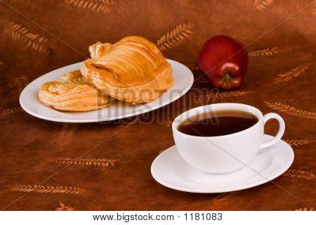 Apple Pastry Tea