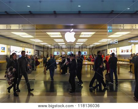 Apple Store In Parquesur Madrid