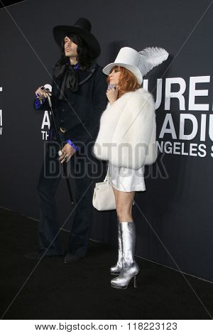 LOS ANGELES - FEB 10:  J D King, Linda Ramone at the SAINT LAURENT At The Palladium at the Hollywood Palladium on February 10, 2016 in Los Angeles, CA