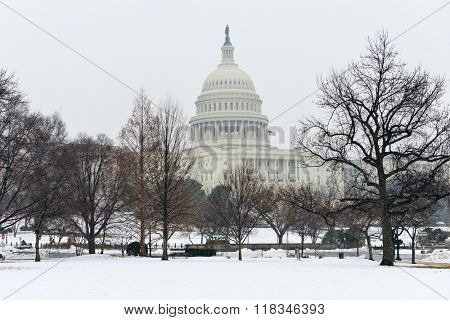 US Capitol in snow blizzard