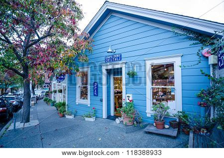 SAUSALITO - CALIFORNIA, DECEMBER 2, 2015: Dynamic Energy Crystals is a shop that sells highest quality of crystals, gems, and minerals from sources in Brazil, Argentina and Colombia.