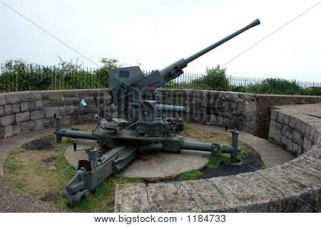 Second World War Cannon