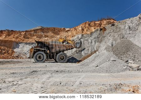 Equimenemt On Cooper Mine - Open Pit 25