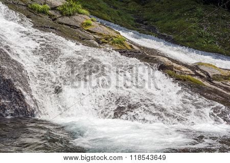 Cascade flowing