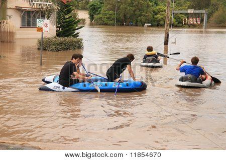 Brisbane, Australia - Jan 13 : Flood  Brisbane Auchenflower Area Residents And Tourists Take To Raft