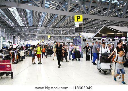Bangkok- February 17 : Passengers Walking In Suvanaphumi Airport, Bangkok On February 17, 2016, Suva