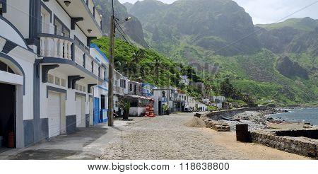 Classic Homes In Fajan D'agua