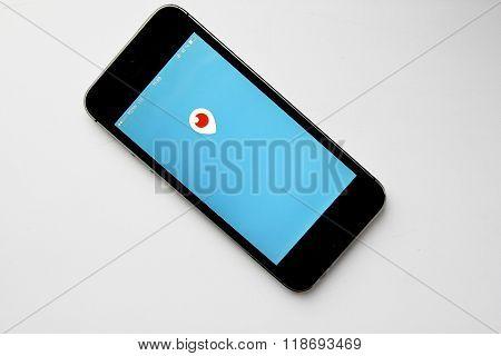 Periscope mobile app logo in screen
