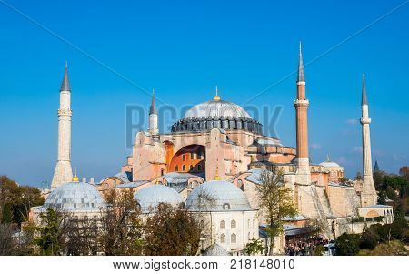 Exterior of the Hagia Sophia in Sultanahmet, Istanbul on sunny day