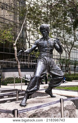 HONG KONG -APR 2, 2016: Bruce Lee statue at the Garden of Stars in Hong Kong on Apr 2 . 2016, China