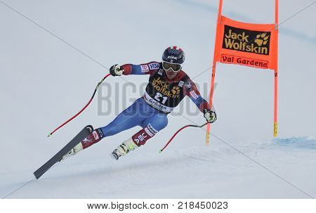 VAL GARDENA, ITALY - DECEMBER 14: Jared Goldberg of The USA races down the Saslong course during the Audi FIS Alpine Ski World Cup Men's Downhill training on December 14 2017
