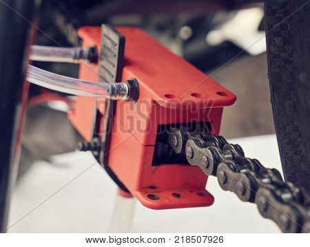 Close up bike chain manual cleaning device