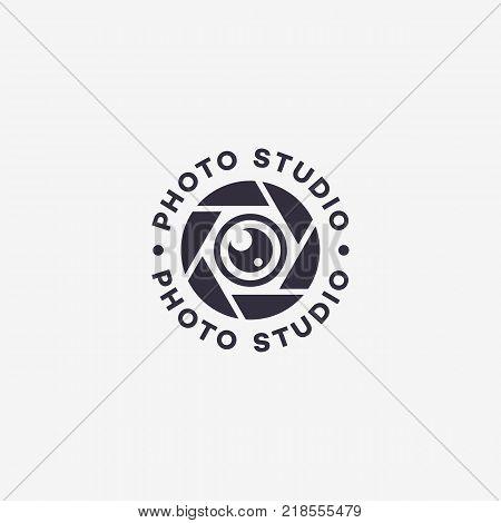 Photo studio logo template design. Vector illustration.