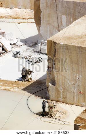 Estrazione marmo 2