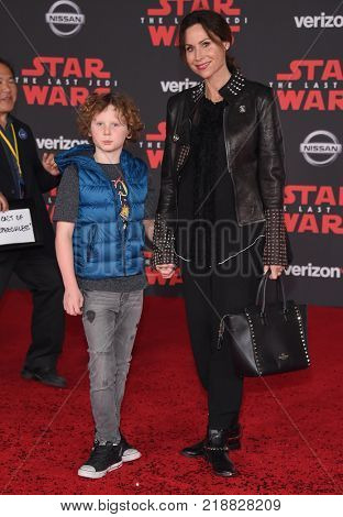 LOS ANGELES - DEC 09:  Minnie Driver and Henry Story Driver arrives for the 'Star Wars: The Last Jedi' World Premiere on December 09, 2017 in Los Angeles, CA