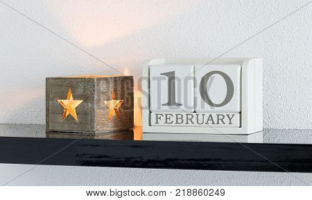 White Block Calendar Present Date 10 And Month February