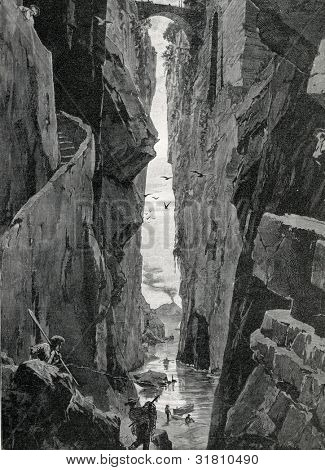 In the canyons of Sorrento. Engraving by Uni�³n. Published in magazine